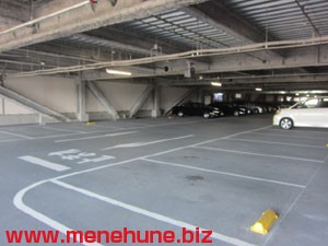 IKEA立川店の駐車場(日曜日昼間)